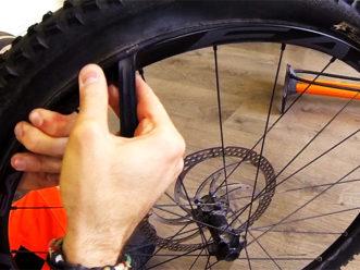 monter un pneu tubeless