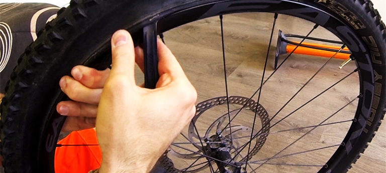 monter un pneu tubeless